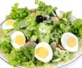 Зелена салата с яйца
